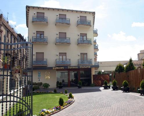 Hotel balneari termes victoria caldes de montbui espa a for Piscina caldes de montbui