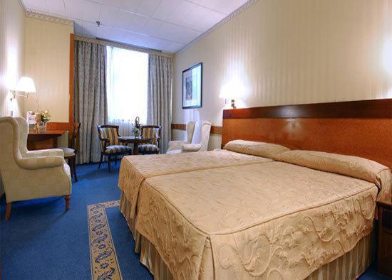Rooms Madrid Avenida America