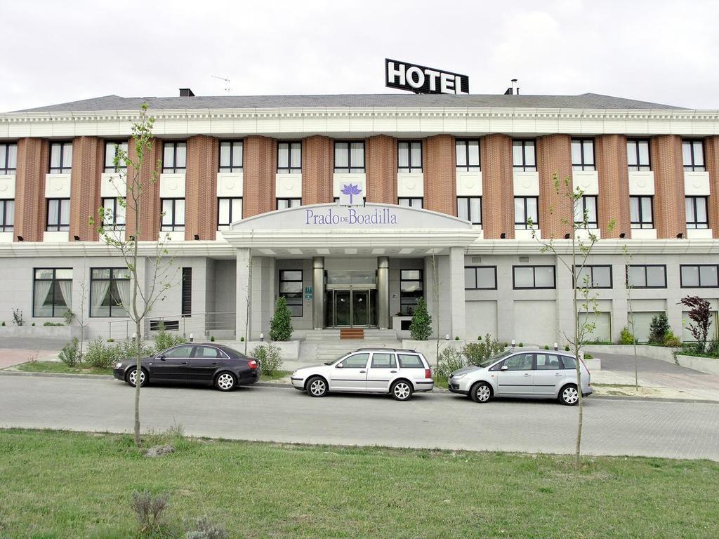Hotel husa v a madrid boadilla del monte spain for Hotel search