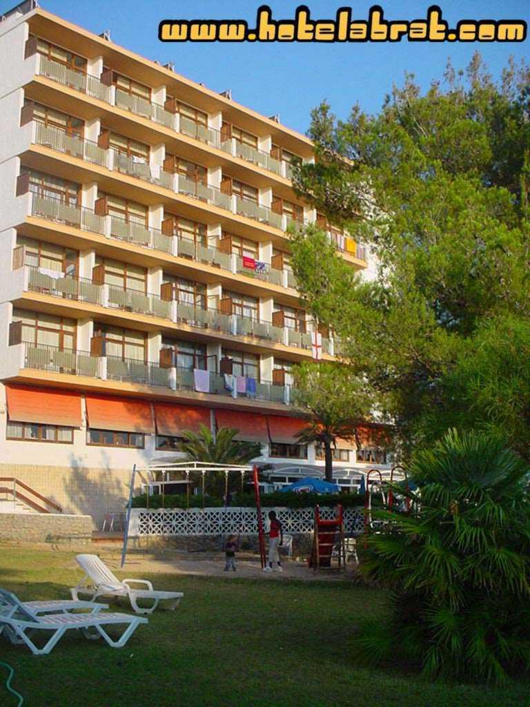 Hotel abrat sant antoni de portmany espa a - Hotel siete islas en madrid ...