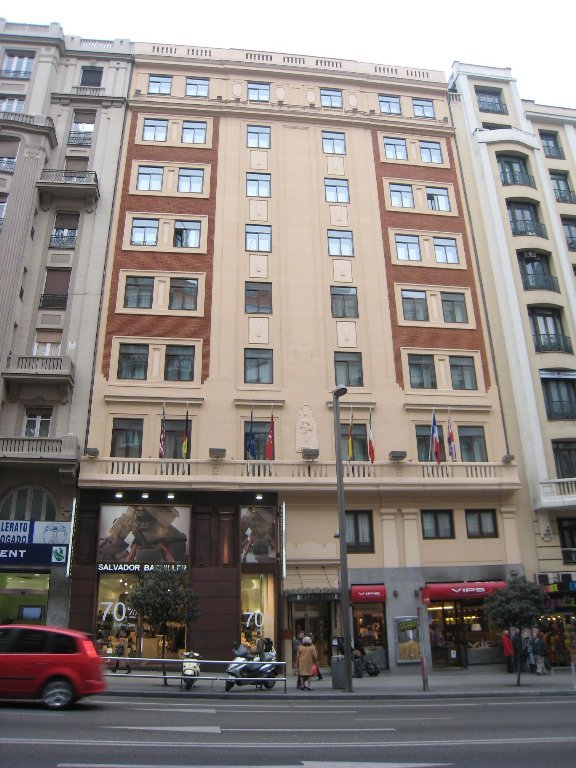 Apartment gran v a 65 madrid spain for Appart hotel madrid