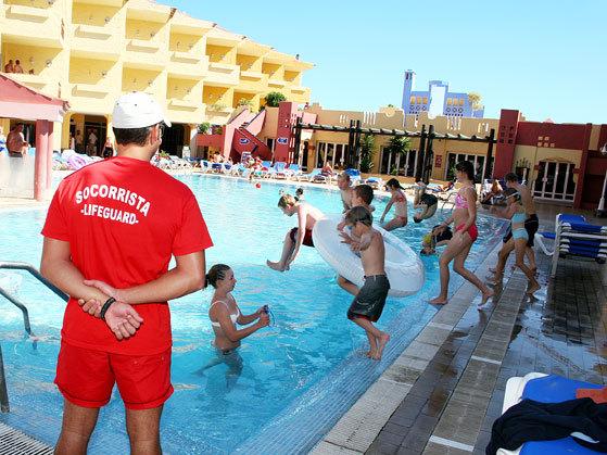 Apartment club marina san miguel de abona espa a - Piscina rivarolo ...