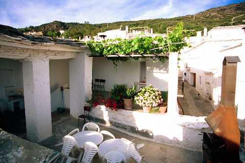 Las terrazas de la alpujarra la alpujarra alojamiento for Terrazas rurales