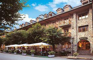 Hotel ciria benasque espa a for Hotel avenida benasque