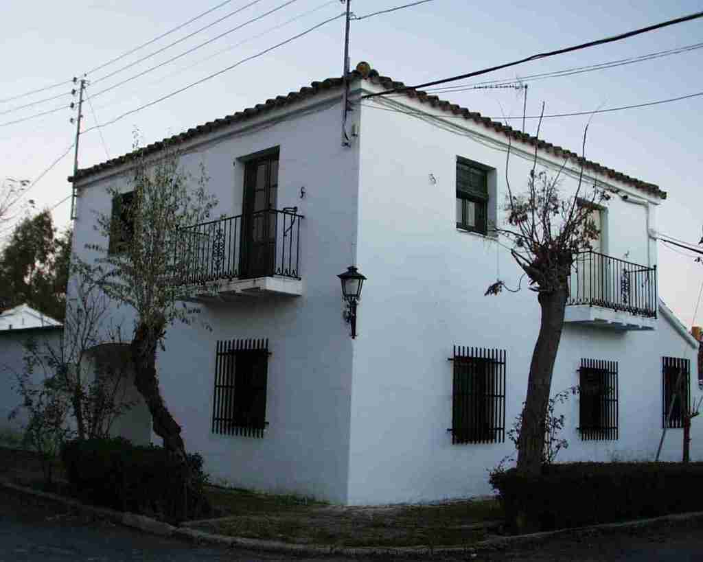 Rustic house la casa de la cig e a la puebla de montalb n for Casa mansion puebla