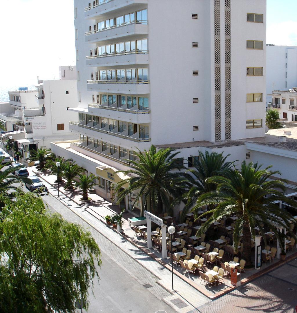 Hotel biniamar sant lloren des cardassar spain for Hotel search