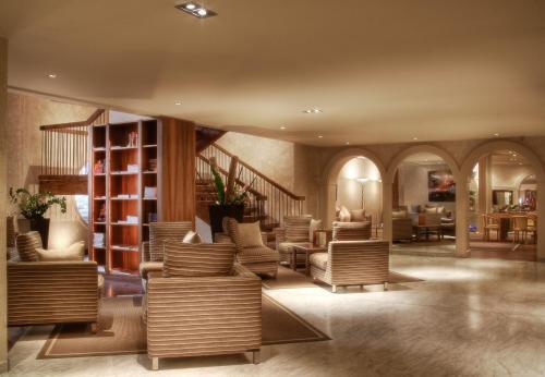 Hotel Grand Hotel Mercure Croisette Beach Cannes France