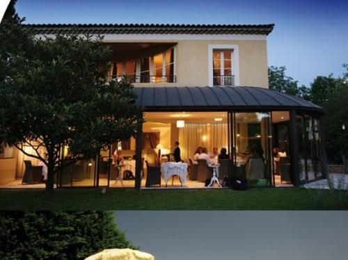 Hotel la villa augusta dr me france - Saint paul trois chateaux piscine ...