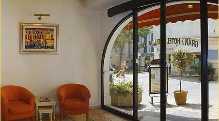hostel grand hotel dauphin toulon france. Black Bedroom Furniture Sets. Home Design Ideas