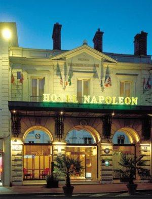 Hotel napoleon fontainebleau france for Hotel fontainebleau france