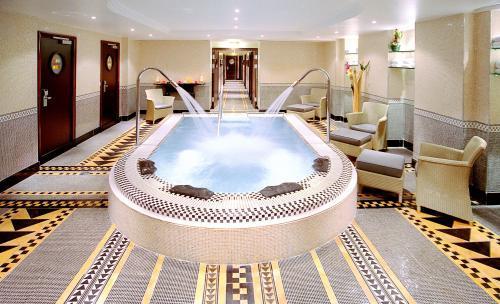 Hotel Hilton Arc De Triomphe Paris Paris 8e Arrondissement