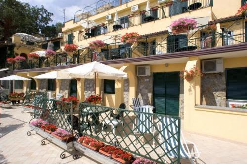 Hotel Residence Le Terrazze, Neapel, Italien   HotelSearch.com