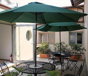 Hotel albergo meubl abatjour mantua italia for Albergo meuble abatjour