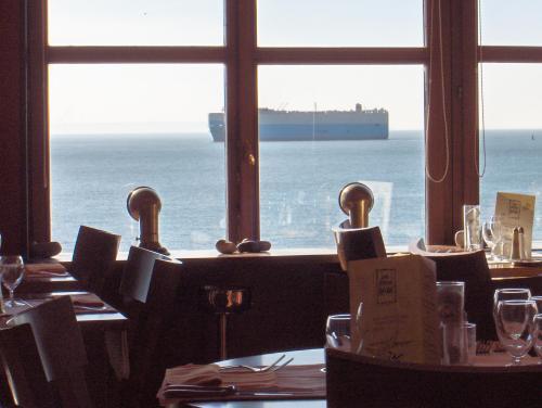 Hotel Les Voiles Sur Le Front De Mer, Le Havre, France | HotelSearch.com