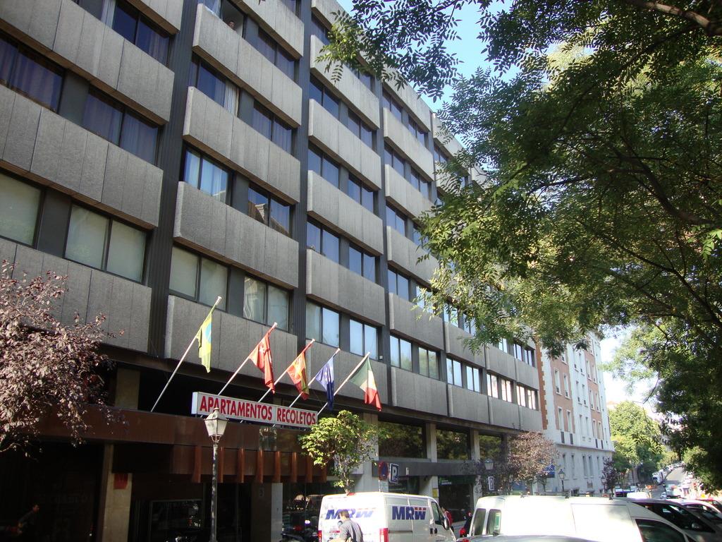 Apartment recoletos madrid espa a for Madrid appart hotel